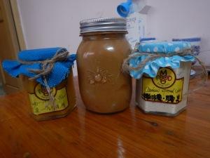 confiture fruits de la passion/mangue - beurre de cacahuète - pattes de noix de cajou/olives