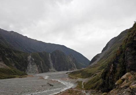 Chemin pour arriver au glacier / way to get to the glacier